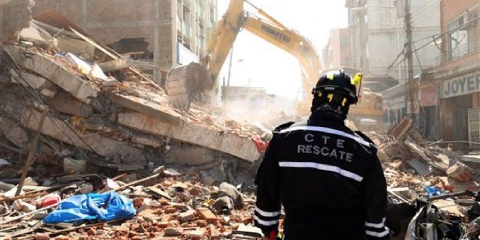 """El presidente Rafael Correa señaló que esta es """"la mayor tragedia de los últimos 67 años"""" Foto:AP"""
