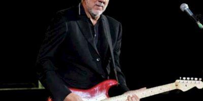 Pete Townshend: El guitarrista de la mítica banda 'The Who' estuvo involucrado hace 10 años en un escándalo de pornografía infantil, al comprobarse que pagó con su tarjeta de crédito para verla. Foto:vía Getty Images