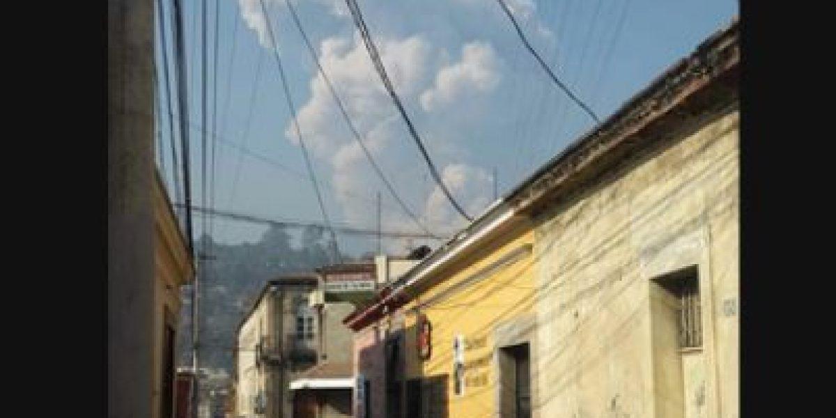 Volcán Santiaguito registra fuerte explosión