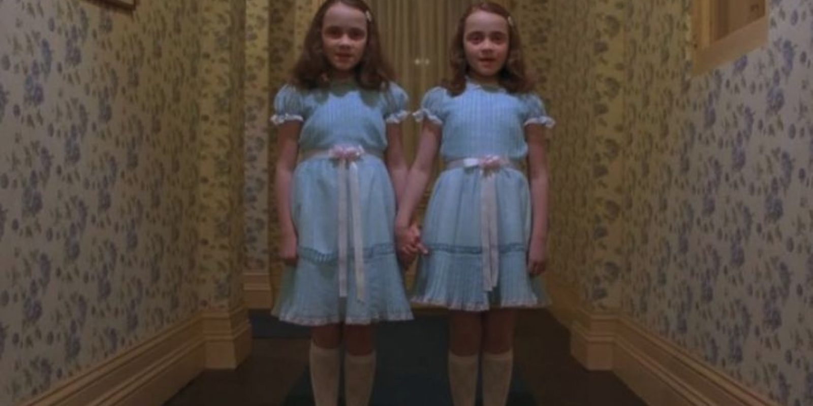 """Las gemelas de """"El Resplandor"""" Foto:Facebook """"El resplandor"""""""