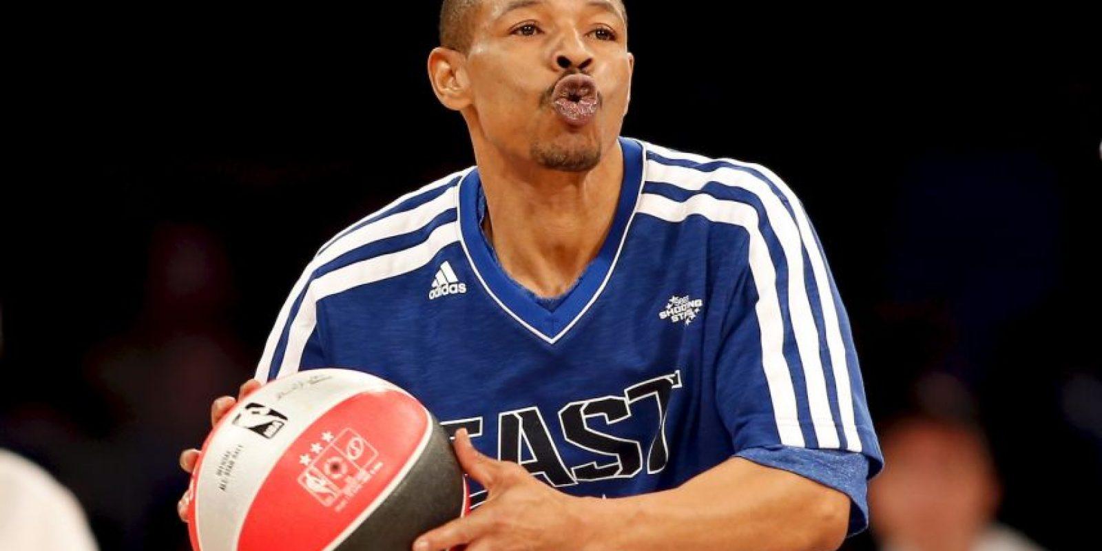 Con sus 1.60 metros es el jugador más bajo en la historia de la NBA. Foto:Getty Images