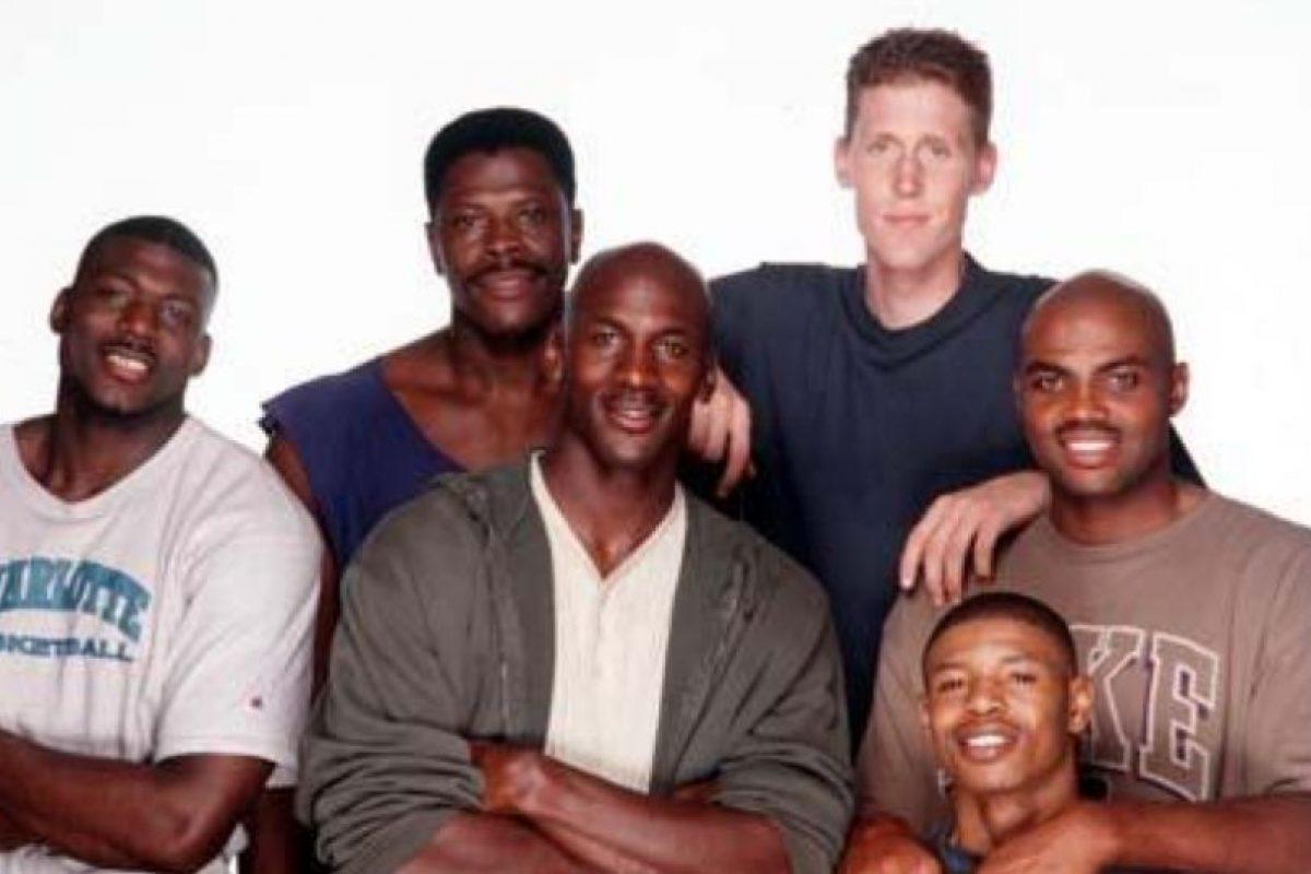 """Así lucían los basquetbolistas que portagonizaron """"Space Jam"""" Foto:Twitter"""