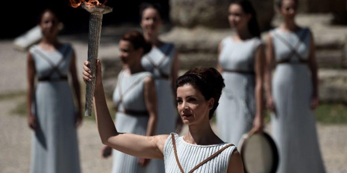 Encienden la llama de los Juegos Olímpicos de Rio 2016, en Olimpia