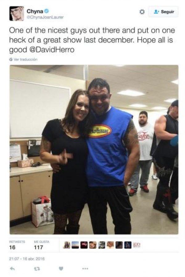 """""""Uno de los tipos más agradables que existen. Espero que todo esté bien David Herro"""". Foto:Twitter.com/ChynaJoanLaurer"""