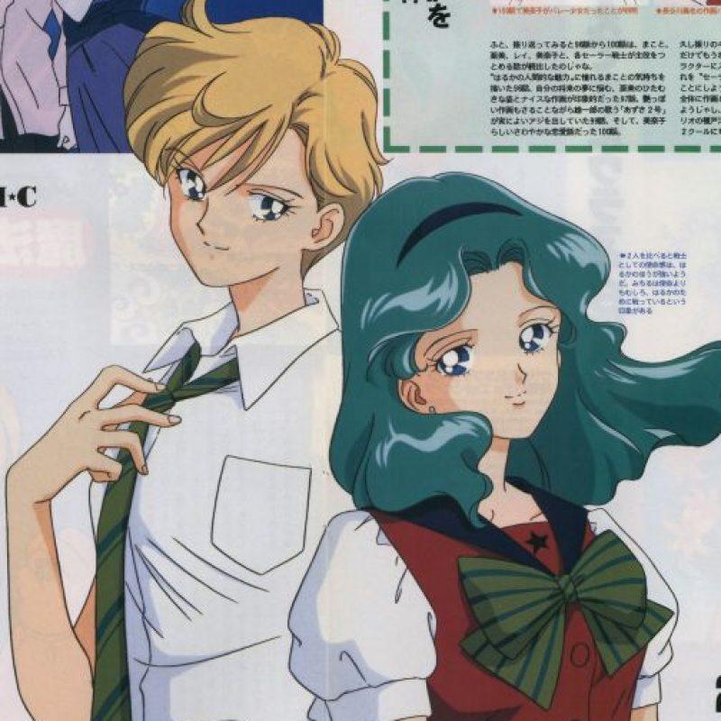 Aunque se ha discutido desde los 90 la naturaleza de la relación entre Haruka y Michiru (se sostiene que es una de las parejas abiertamente gay de la animación japonesa), otros dudan de esta teoría. Foto:Toei