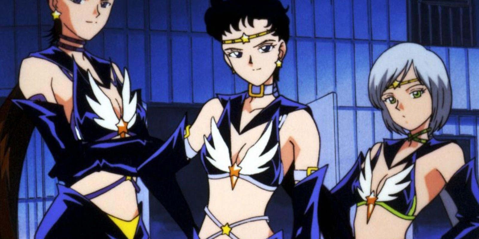 Las Sailor Stars en la versión original no eran hombres ni por error. En el manga llegaron a vestirse de hombre, pero para la serie si adoptaron forma masculina, lo que molestó en demasía a Naoko Takeuchi, creadora de la serie. Solo las mujeres pueden ser Sailor Senshi, según ella. Foto:Toei