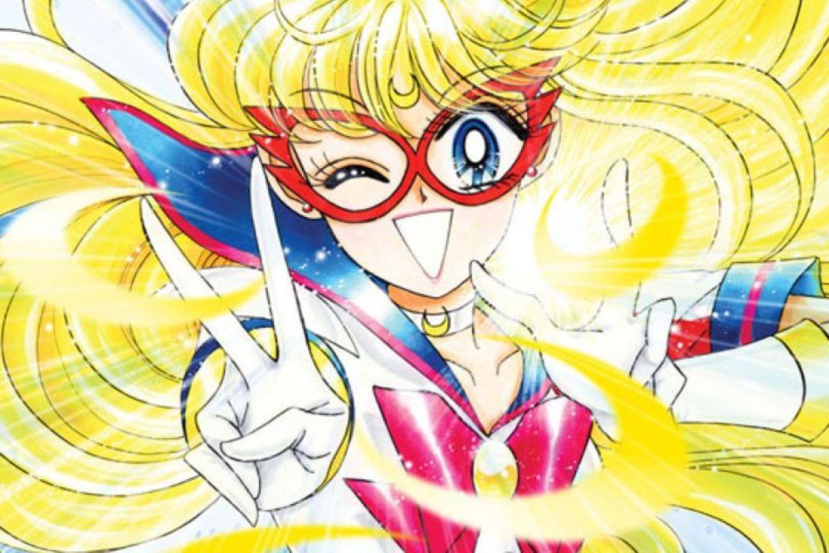 En la versión original, Mina (Sailor V) no es tan tonta. De hecho, por ser súper heroína y modelo para la juventud, es otra líder en potencia. Foto:Toei