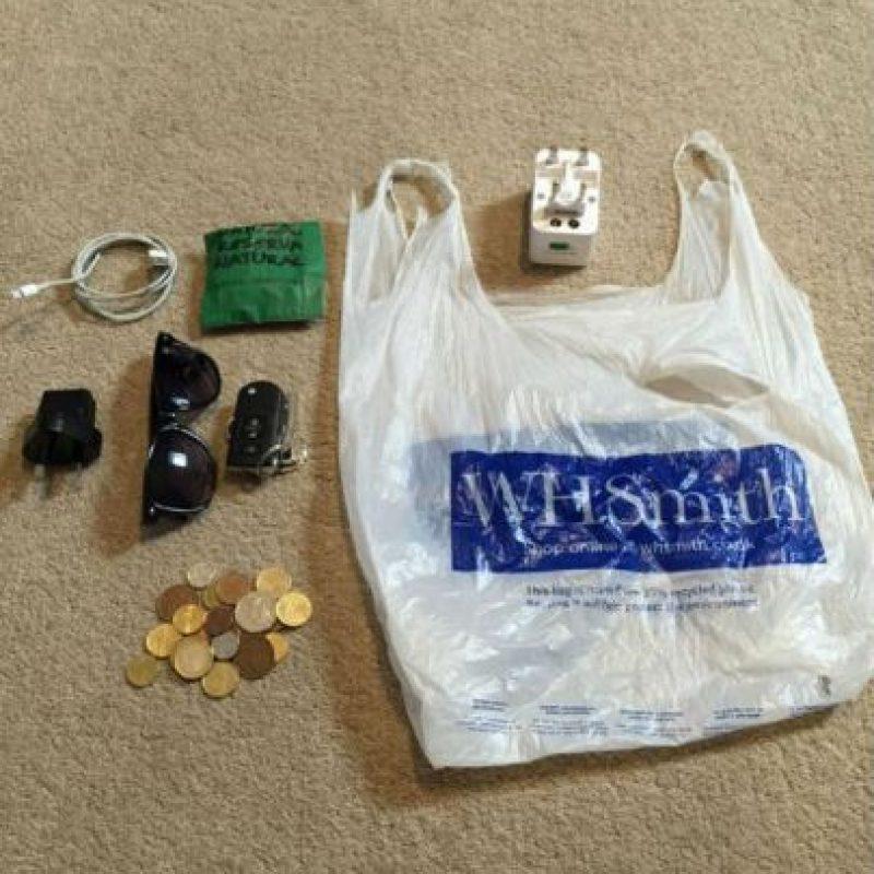 """Al final del viaje, esta era su """"gran"""" maleta. Foto:Vía facebook.com/alexander.caviel.3?fref"""