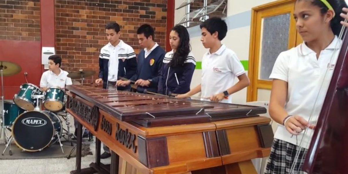 Jóvenes guatemaltecos impresionan al interpretar Rapsodia Bohemia de Queen en marimba