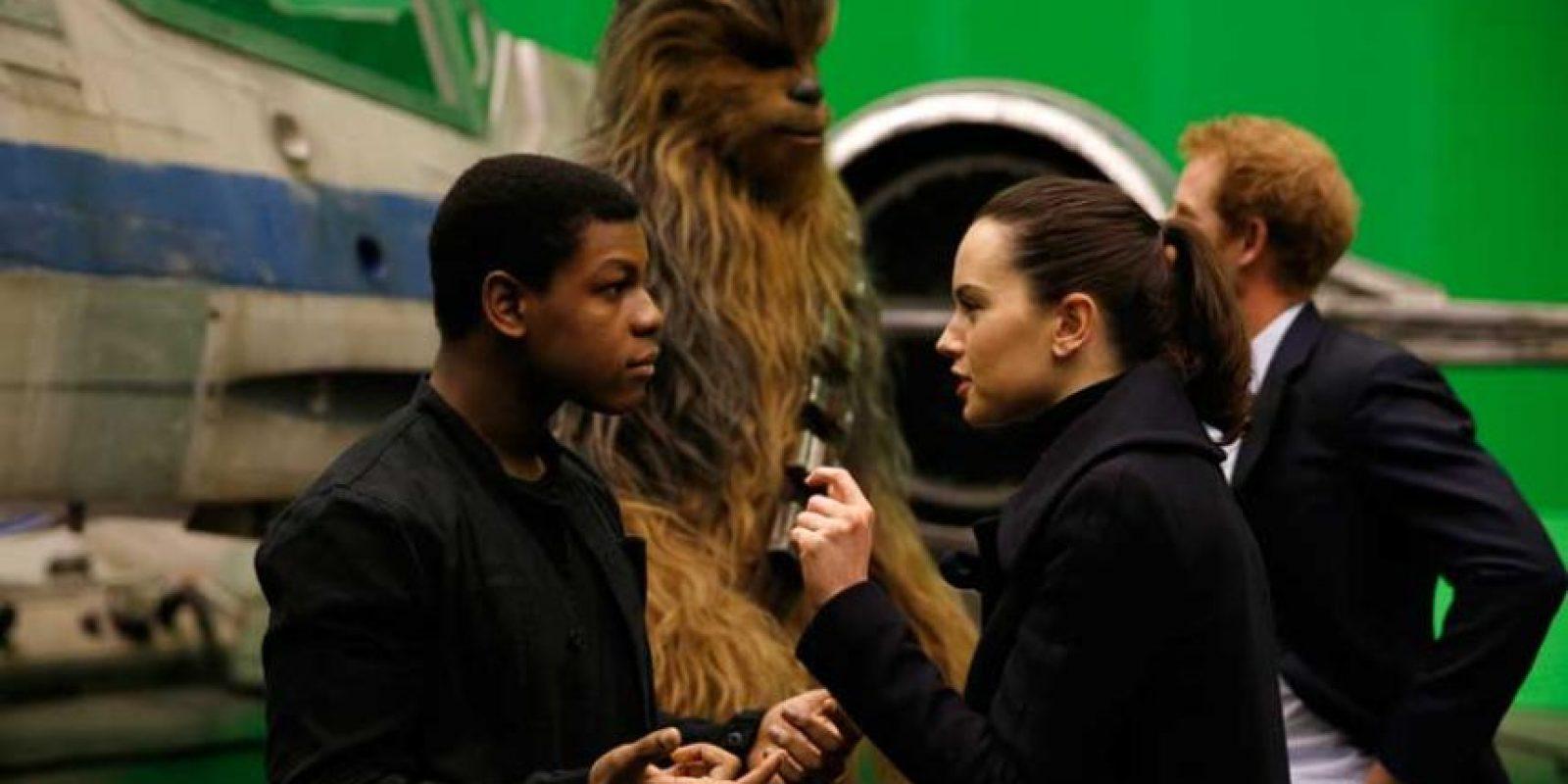 Los cuatro protagonistas de Episodio VII, Daisy Ridley, John Boyega, Oscar Isaac y Adam Driver, repetirán en Episodio VIII. Foto:Getty Images