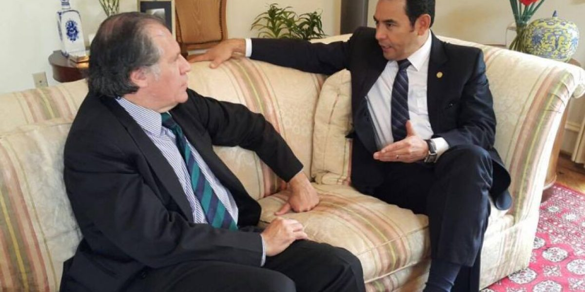Jimmy Morales se reúne con el secretario general de la OEA