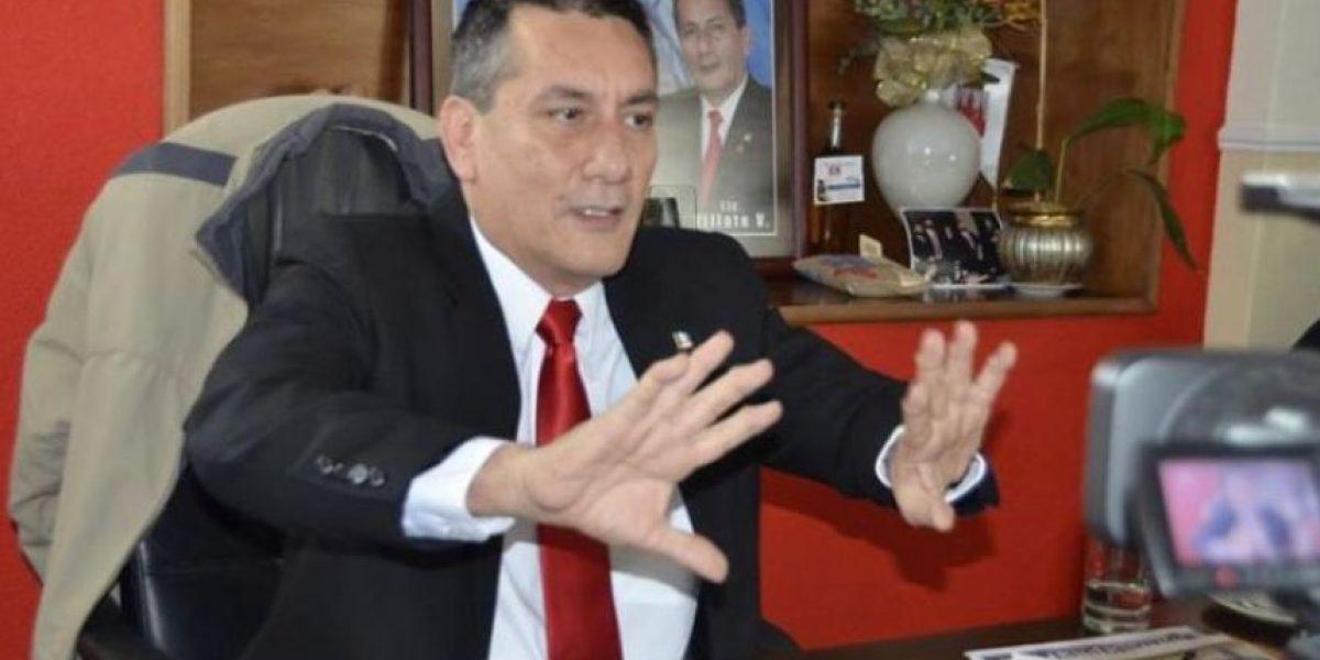 Roberto Villate presenta amparo para que presidente Morales declare lesivo contrato de TCQ