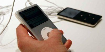 """""""Con iPod, escuchar música nunca volverá a ser lo mismo"""", dijo Jobs el día que lanzó el gadget. Foto:Getty Images"""