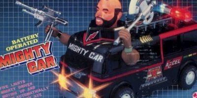 """El auto de """"Los Magníficos"""" con la cabeza de uno de ellos. A lo Transformer. Foto:vía Tumblr/ Bootleg Action Figures"""