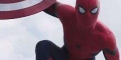 """Civil War"": Nuevo spot revela más detalles de ""Spiderman"""