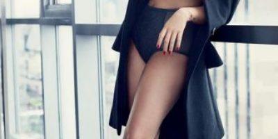 """En bikini: Demi Lovato presume sus """"rollitos"""""""