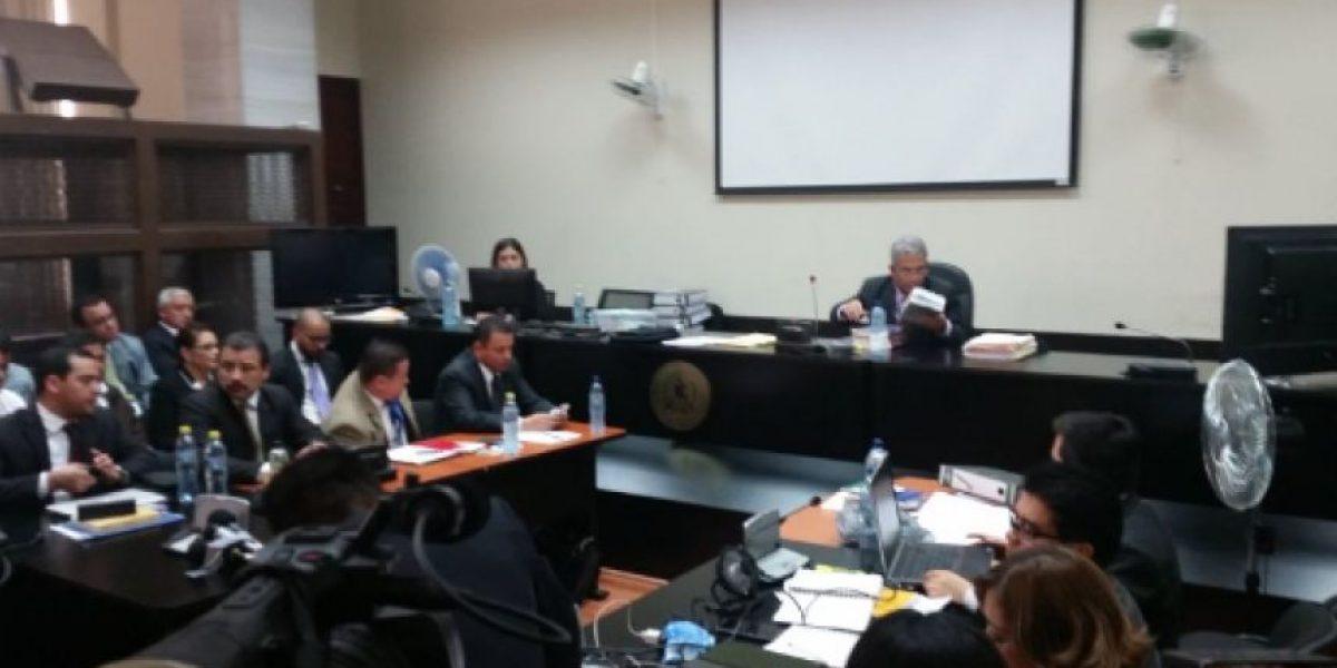 MP presenta audios que involucran al exinterventor Allan Marroquín