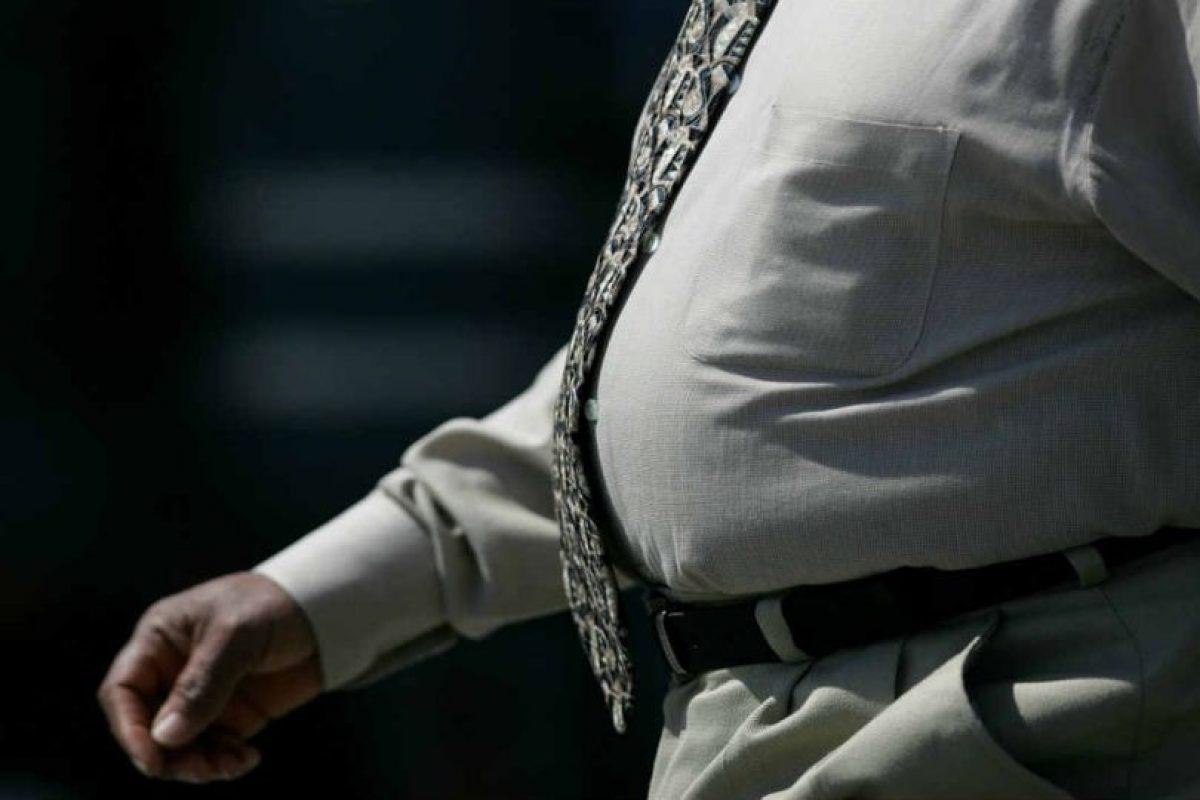 Los médicos han confirmado que, entre más tiempo pasemos frente a la computadora, más probable es que desarrollemos obesidad. Foto:Getty Images