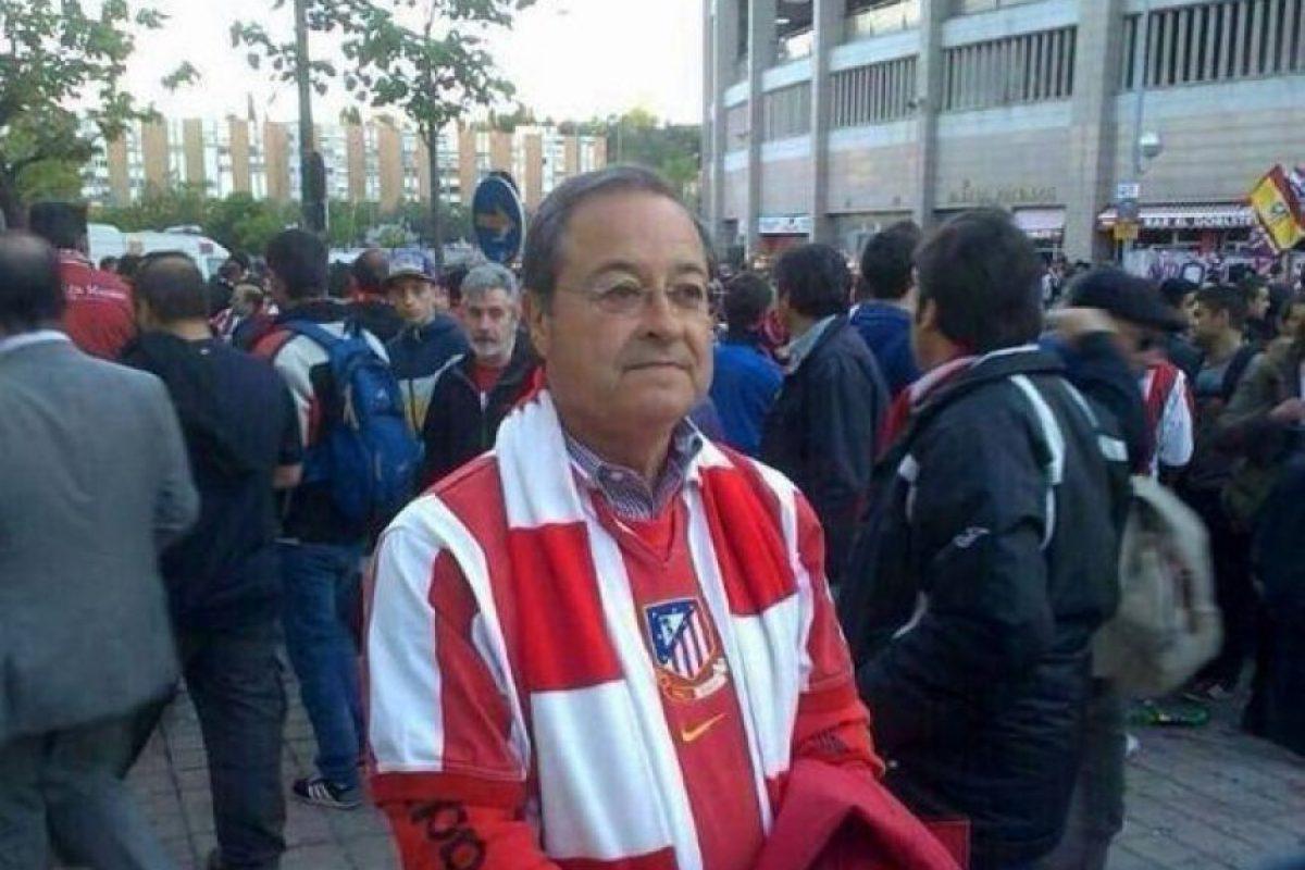 """Florentino Pérez vestido de """"colchonero"""". Foto:memedeportes.com"""