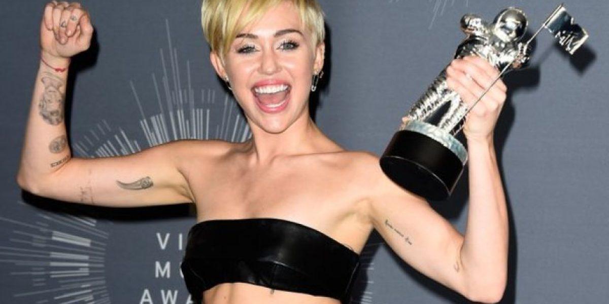¿Miley Cyrus y el error en su nuevo tatuaje?