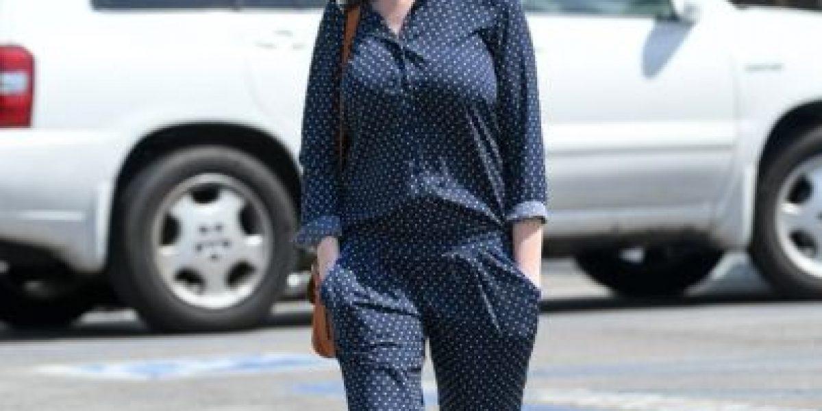 Anne Hathaway es captada con su bebé en Los Ángeles