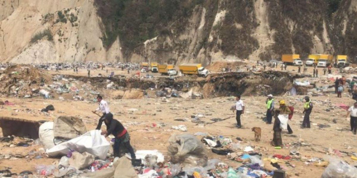 Municipalidad: Recolectores soterrados del basurero no atendieron llamado