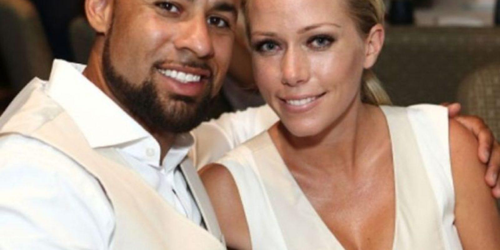 Se dice que Hank Baskett engañó a Kendra Wilkinson con un transexual cuando ella estaba embarazada. Foto:Getty Images
