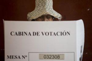 Esto a pesar de que su padre cumple en prisión una pena de 25 años por corrupción y violación de derechos humanos. Foto:AP