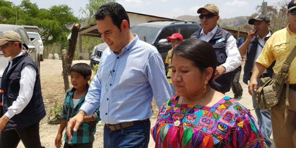 Entregan resarcimiento a desplazados por construcción de hidroeléctrica Chixoy