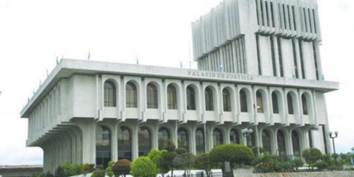 Tres magistrados de la CSJ son trasladados a Cámaras