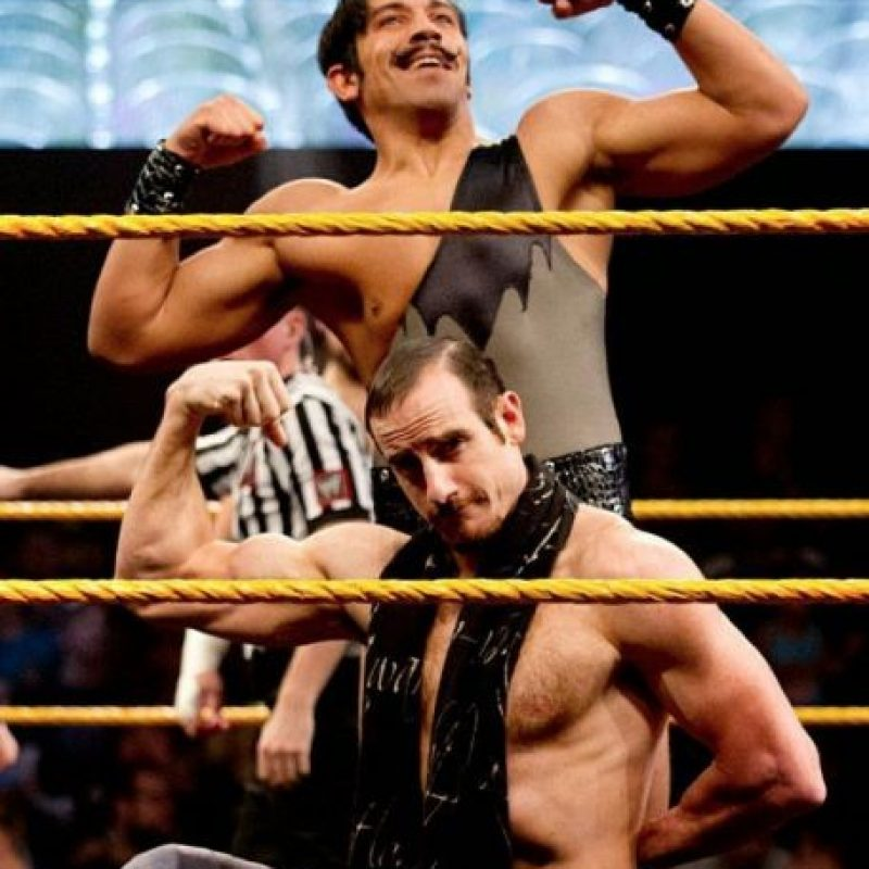 En la final del torneo de Parejas, The Vaudevillains Foto: WWE