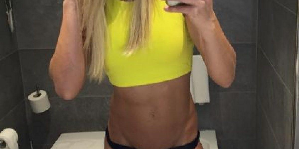 Sexy policía cautiva Instagram con su belleza