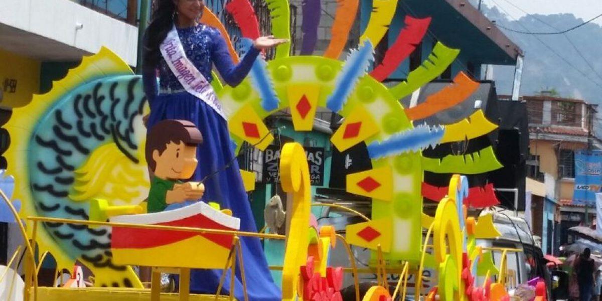 Amatitlán inaugura su feria con desfile de alegría y color