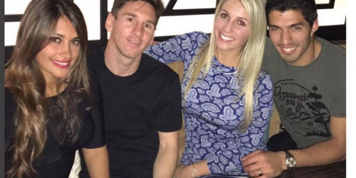 Lionel Messi y Luis Suárez felicitan a sus esposas en el Día de la Madre
