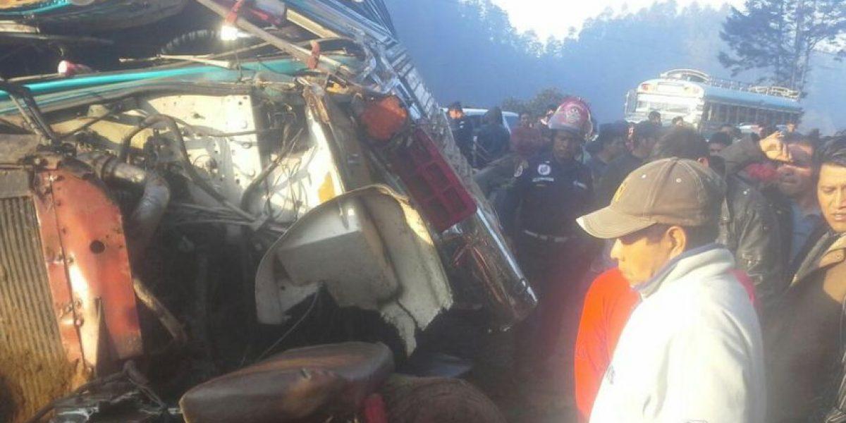 Accidente de autobús en Sololá deja 20 heridos