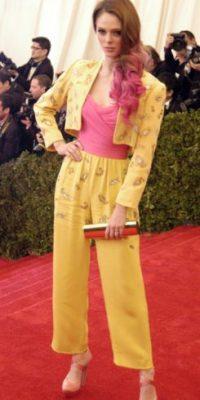 Coco Rocha parecía un Dorito gigante con goma de mascar en 2012. Foto:vía Getty Images