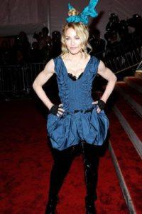 """Madonna en 2009, como la hermana """"casquivana"""" de Liebre de Marzo en """"Alicia en el país de las Maravillas"""". Foto:vía Getty Images"""