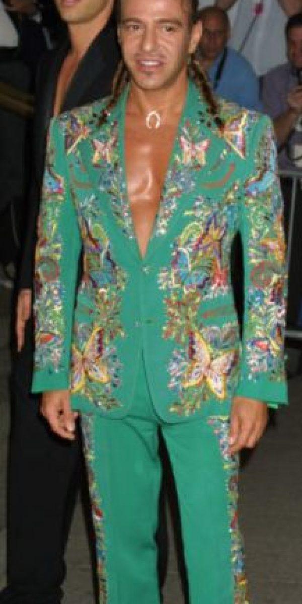 """John Galliano como en """"La Jaula de las Locas meet La Sirenita"""" Foto:vía Getty Images"""