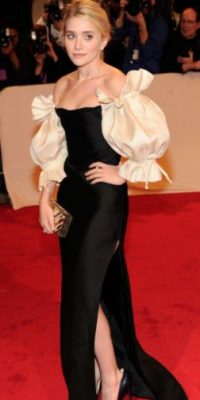 "Ashley Olsen como ""lecherita elegante"". Foto: vía Getty Images"