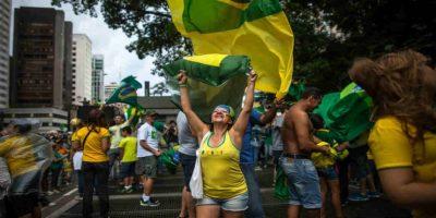 Los brasileños aseguran que la presidente está protegiendo a Lula. Foto:Getty Images
