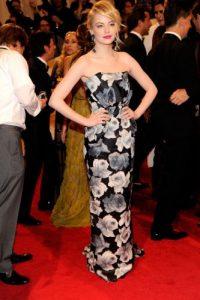 Emma Stone sabe usar un modelo que en apariencia se vería simple. Foto:vía Getty Images