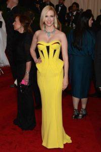 January Jones en un vestido arquitectónico de péplum. Foto:vía Getty Images