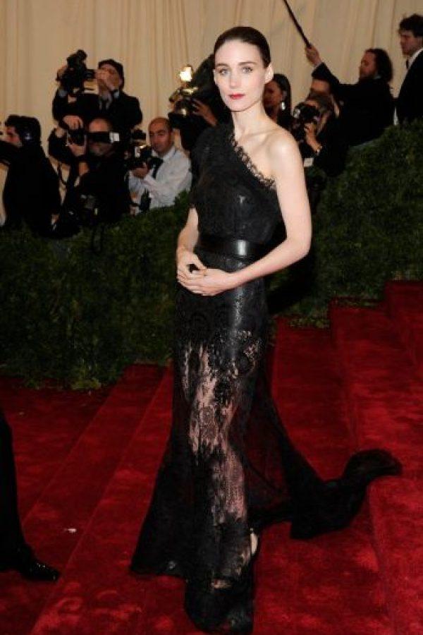 Rooney Mara, una diosa de la moda que nos recuerda a su papel de Lisbeth Salander. Foto:vía Getty Images