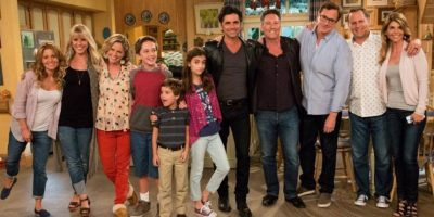El 2 de marzo de 2016, menos de una semana después del lanzamiento de su estreno, la serie fue renovada para una segunda temporada. Foto:Facebook/Fullerhouse
