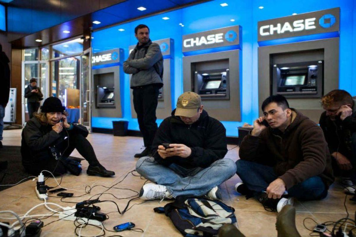 Las baterías de los smartphone cada vez duran menos. Foto:Getty Images
