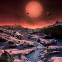 Los científicos buscan planetas que puedan albergar agua líquida. Foto:Universidad de Lieja