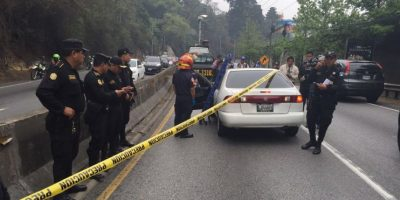 Le disparan a un automovilista en carretera a El Salvador, sospechan que fue por no dar la vía