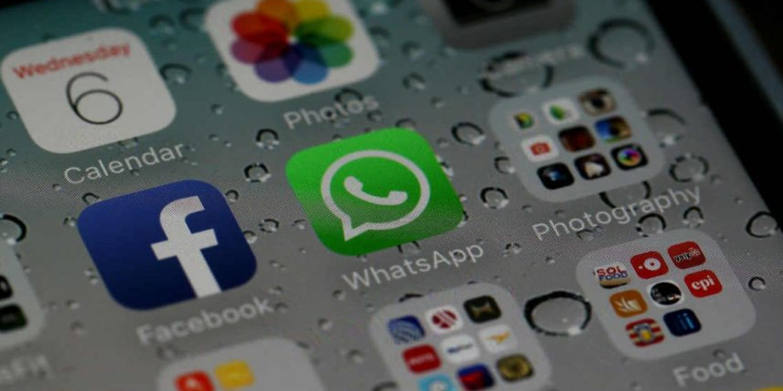 """Sólo nuestro móvil y el de nuestro contacto tienen la """"llave"""" que descifra los mensajes. Foto:Getty Images"""