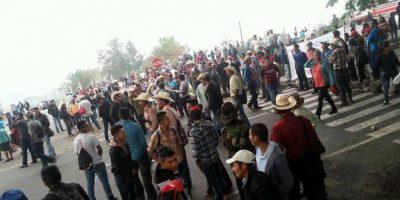 Organizaciones campesinas bloquean carreteras en el interior del país