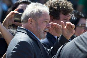 Fue acompañada del expresidente Luiz Inácio Lula da Silva Foto:AFP
